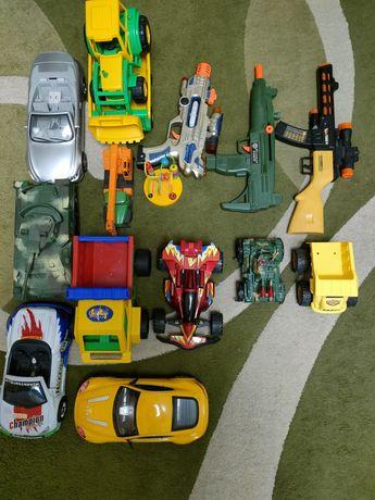 Продам набор игрушек для мальчика