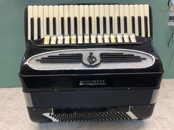 Акордеон уникален Джулиети 120 баса
