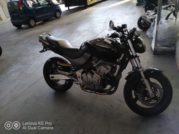 Мотоциклет Хонда ХОРНЕТ(Honda Hornet )600,900- на части