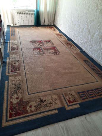 Продаю ковёр размер 5х2.5