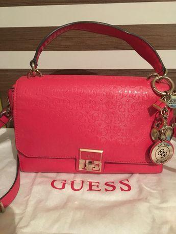 Намалена Guess чанта нова оригинал crossbody