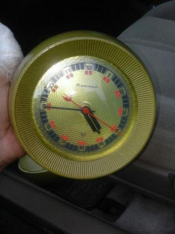 Часы старые Янтарь