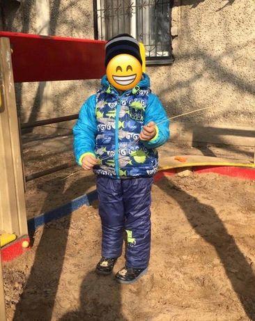 Костюм тройка на мальчика 3-5 лет на весну-осень