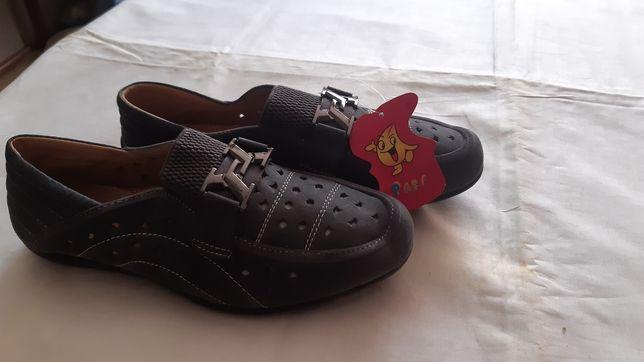 Продам летнию обув  для мальчика