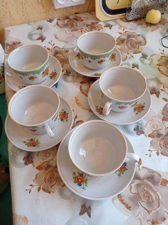 Чайный набор фарфоровые  кружечки и тарелочки по пять штук