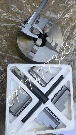 Universal strung 200mm cu 4 bacuri normale si 4 intoarse