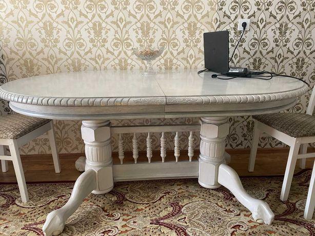 Продам интерьерный стол для гостиной. Обеденный стол античного стиля