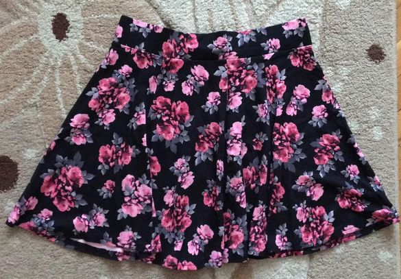 Къса пола на цветя H&M - размер М