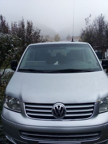 Vând Volkswagen T5