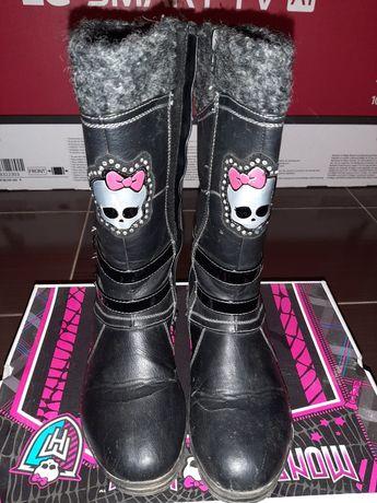 Продам осенние сапожки, фирма Monster High Размер 35, покупали в Симбе