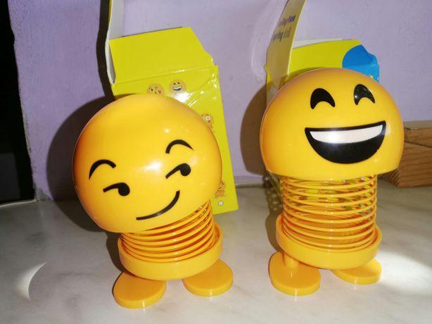 Emoji, jucarie pentru masina