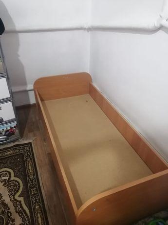 Продам кровать,  деревянную