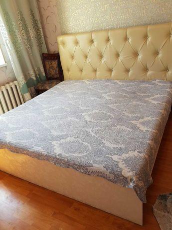 Огромный спальный гарнитур