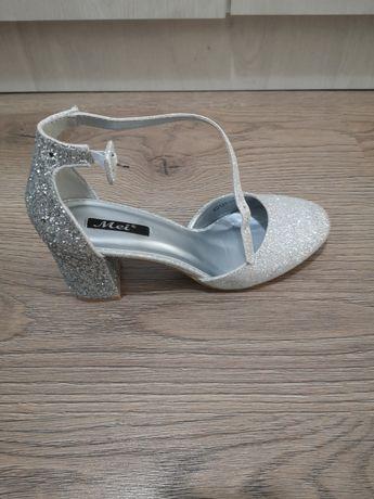 Pantofi eleganti  nr 38