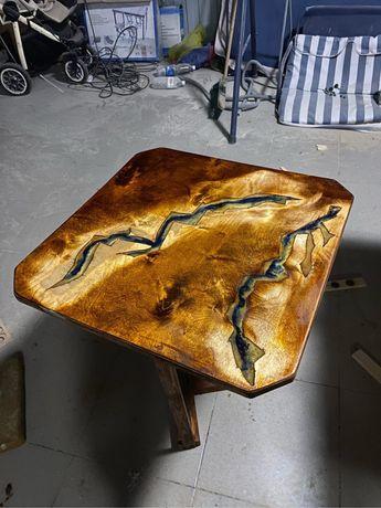 Богатый стол с эпоксидной смолой. Новый. Работа хобби .