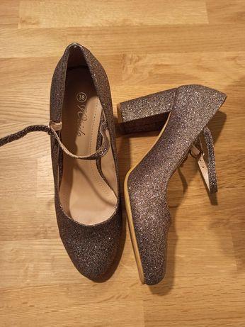 Pantofi marimea 38