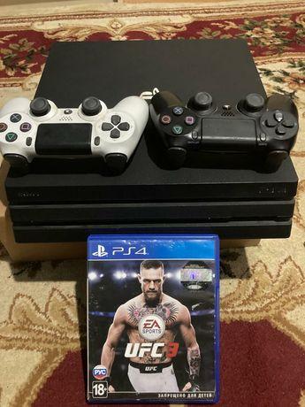 Приставка PS4 PRO