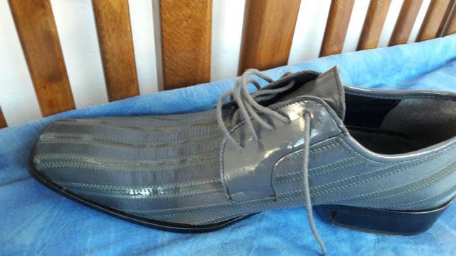 2 perechi pantofi- mărimea 43