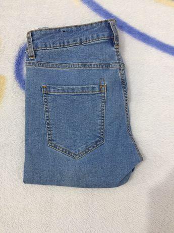 Pantaloni de băieți