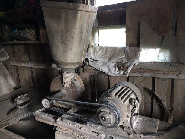 Дробилка в рабочем состоянии.