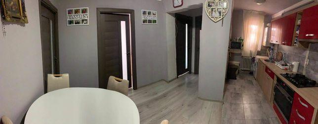 Vând apartament cu 3 camere  sau schimb cu casa