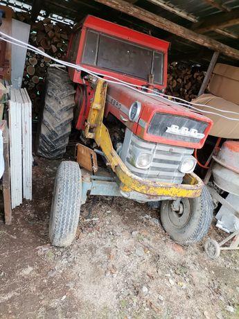 Vând tractor ebro