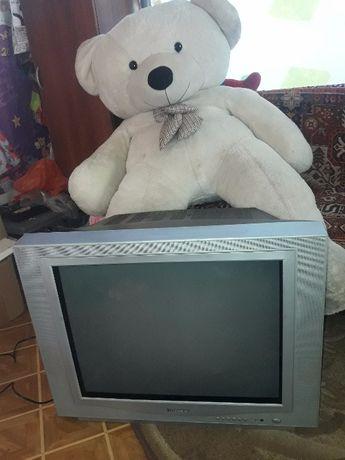 """Большой Телевизор """"Чанконг"""" 70 см и маленький ELENBERG 35 см"""