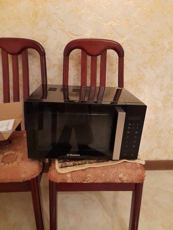 Новая микроволновая печь HANSA, покупали за 39000 тенге. Срочно продам