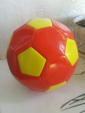 Мяч                                        .