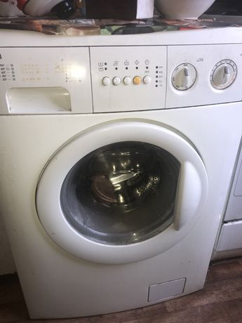 Продам стиральную машинку zannusi.