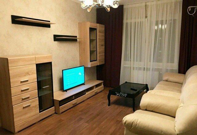 Сдам просторная квартира на Мухамеджанова,  рн Хан-Шатыра, без риелтор
