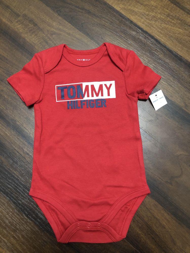 Body Tommy Hilfiger 12 luni , nou cu eticheta