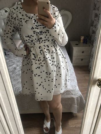 Продам платье летнее в горошек