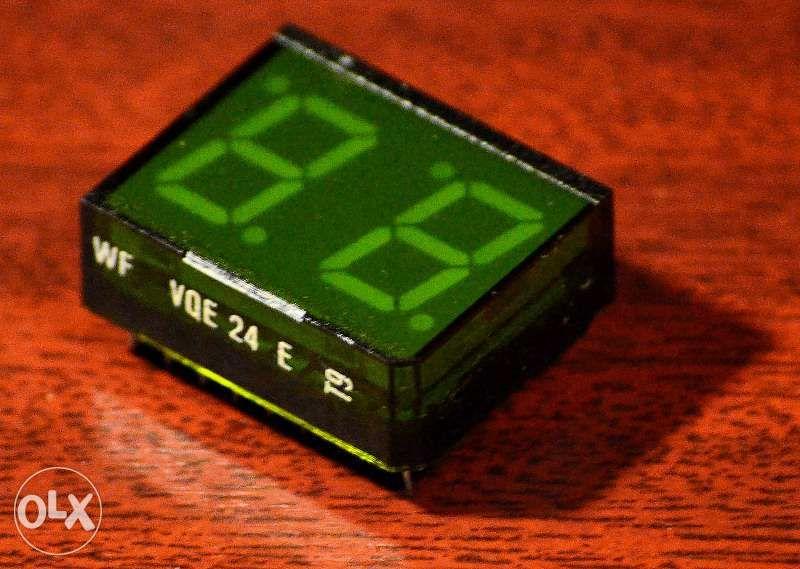 afisaj LED dublu 7+2 segmente