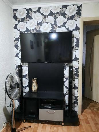 Продам телевизор SAMSUNG, полочка под него.