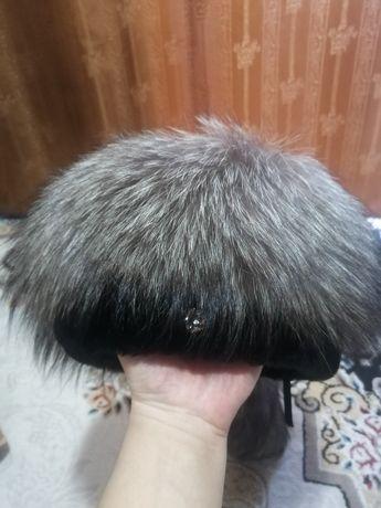 Продам шапку из мутона и чернобурки, демисизонное пальто из замши р 50