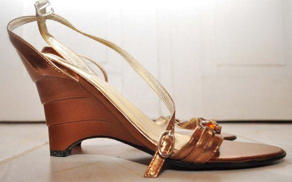 Продавам дамски обувки