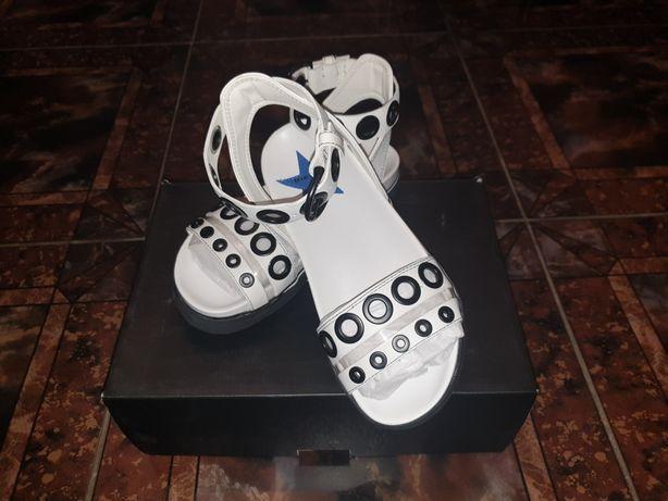 Sandale Diesel albe de piele