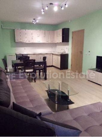 Тристаен апартамент в жк. Левски