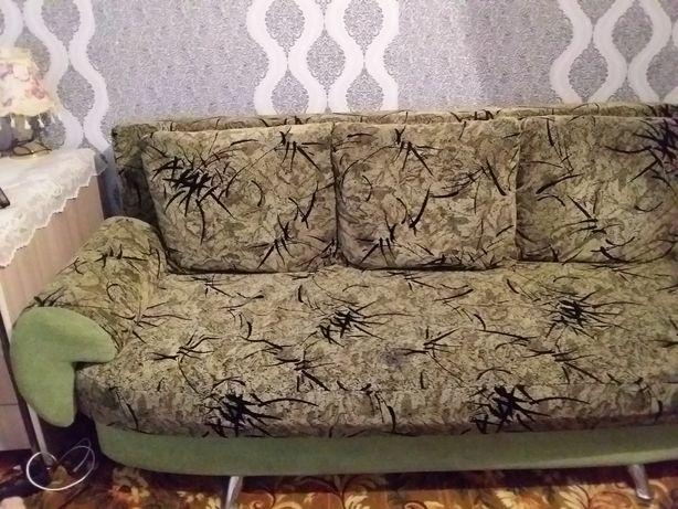 Продам диван . Состояние хорошее