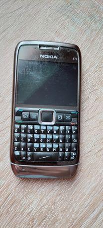 Vând telefon Nokia E71