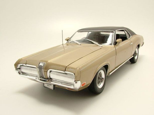 Cougar muscle car,  macheta metal noua in cutie, 1.18 , L  29 cm