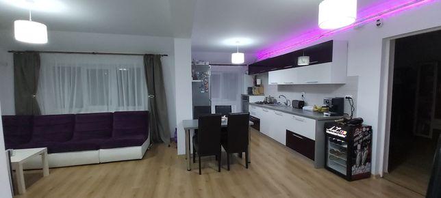 Apartament 5 camere amenajat pe doua nivele