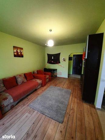 Apartament cu o camera de vanzare in Floresti