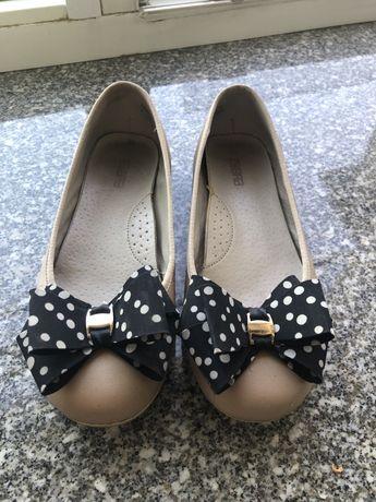 Кожаные балетки для девочек или на узкую ногу 35 р