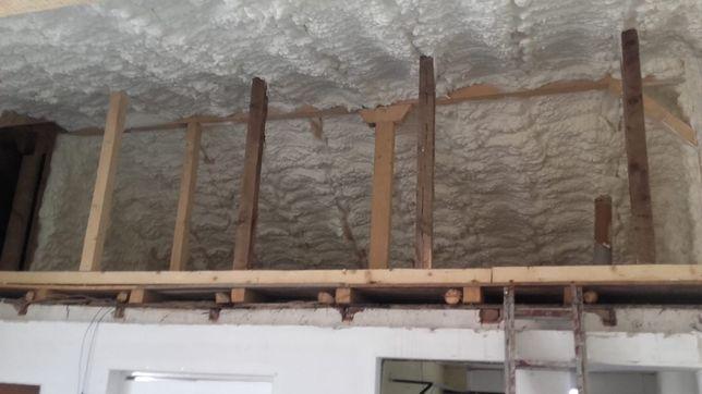Izolatii Izolatie spuma poliuretanica poduri mansarde hale terase