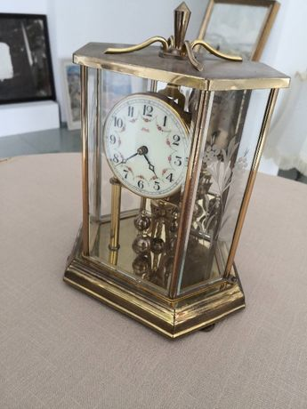 УНИКАЛЕН, ГОДИШЕН 400 дни супер красив, рядък, каминен часовник