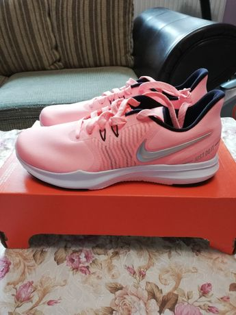 Нови дамски оригинални маратонки Nike