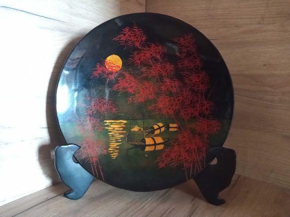 декоративна чиния с поставка