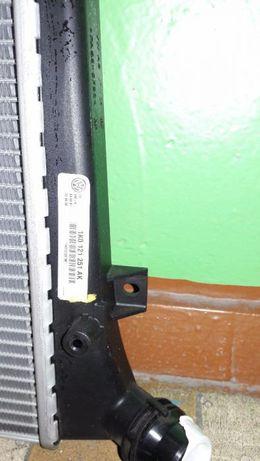 Радиатор охлаждения на Golf IV, Bora